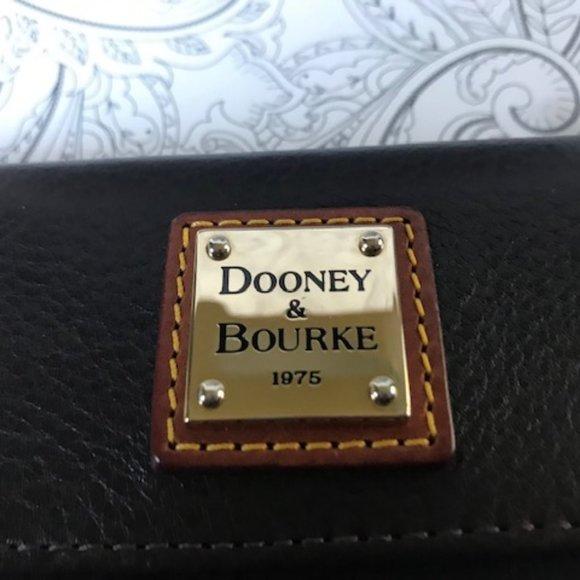 Dooney & Bourke Pebble Continental Clutch Wallet